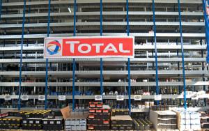 Il magazzino di Falbo Ricambi con oltre 5000 parti di ricambio originali ed equivalenti in prontaconsegna